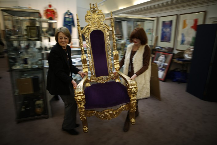 golden-throne-bradley-wiggins-sat-20121106-040019-415