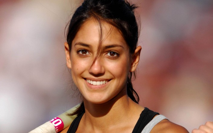 allison-stokke-face