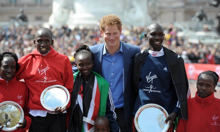 prince-harry-virgin-london-marathon-04232012-04