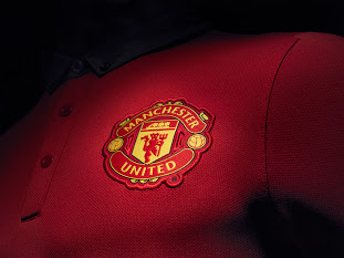 Manchester United 13-14 Home Kit (9)