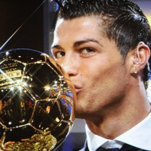 ADDITION-FBL-FRA-EUR-AWARD-RONALDO